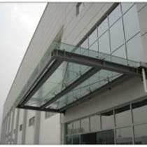 北京安裝玻璃雨棚車庫進出口雨棚安裝