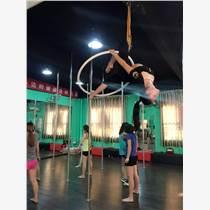 广州白云区成人舞蹈培训专业钢管舞和爵士舞班