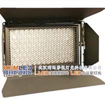 電視臺小型新聞演播室燈光布置用珂瑪LED演播室燈具