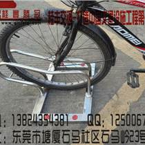 节假日期间,自行车架携手打造车子乱停乱放的时代