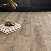专业木地板安装勘测现场