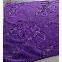 赛典厂家直销小型毛巾围巾压花压标机