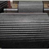 礦用輸送皮帶機滾筒陶瓷膠板包膠冷粘菱形膠板山東廠家
