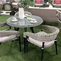 天津戶外休閑露臺塑木桌椅 庭院花園防水防潮桌椅