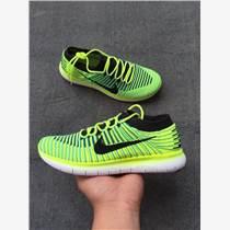 烏魯木齊市熱銷阿迪達斯清風系列時尚運動鞋