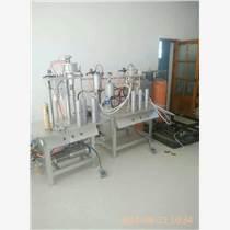上門指導聚氨酯發泡膠填縫劑機器灌裝流程
