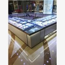 廈門飾品展示柜定做款式色彩搭配的選擇